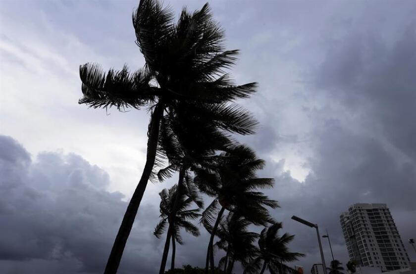 La Guardia Costera de EEUU en San Juan estableció hoy la condición X-Ray para los puertos de Puerto Rico e Islas Vírgenes debido al esperado paso por la región de la tormenta tropical Isaac, una alerta para el sector marítimo que se impone 48 horas antes de la llegada de vientos huracanados. EFE/ARCHIVO