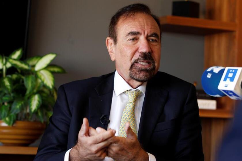 El empresario inmobiliario Jorge Pérez habla durante una entrevista con Efe hoy, jueves 9 de febrero de 2017, en Ciudad de México (México). EFE