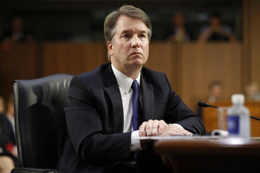 El juez Brett Kavanaugh escucha a los senadores durante su audiencia de confirmación como nominado a la Corte Suprema de Justicia. EFE/Archivo