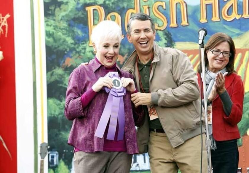 """Shirley Jones and Gregg Binkley in """"Raising Hope"""" on Fox."""