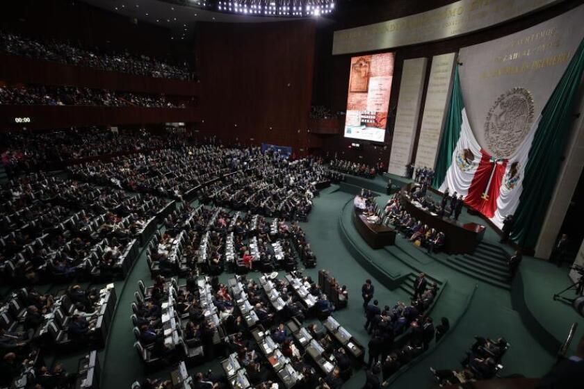 """La Cámara de Diputados de México elige """"in extremis"""" a su presidente"""