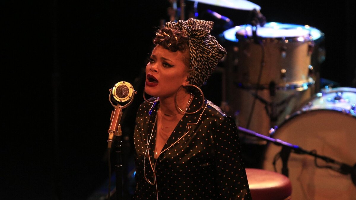 7f74fbf46f687 Andra Day roared in pajamas, no makeup, full passion - The San Diego  Union-Tribune