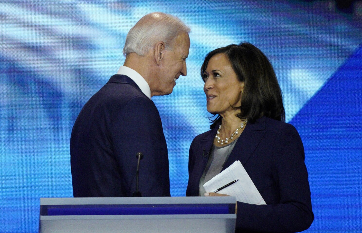 Joe Biden chooses Kamala Harris as his VP pick - Los Angeles Times