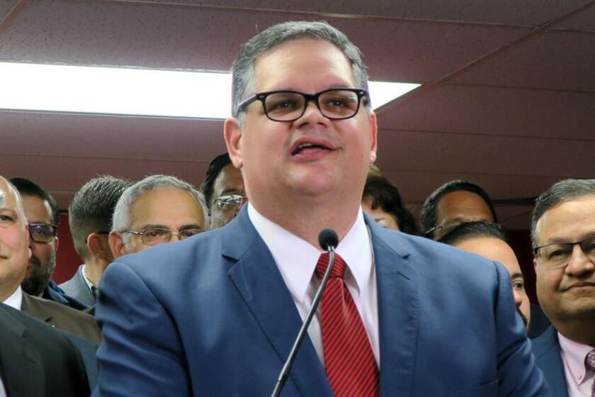 El presidente electo del opositor Partido Popular Democrático (PPD) de Puerto Rico, Aníbal José Torres, durante una conferencia de prensa. EFE/Archivo