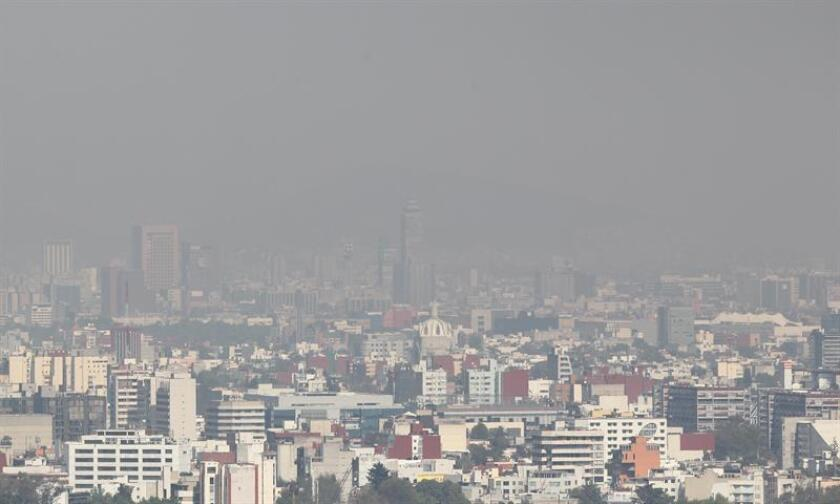 La Comisión Ambiental de la Megalópolis (CAME) declaró hoy contingencia en el noroeste de la Zona Metropolitana del Valle de México por la concentración de partículas contaminantes favorecidas por las condiciones del clima. EFE