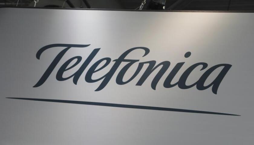 El Salvador rechaza nuevamente la compra de Telefónica por América Móvil