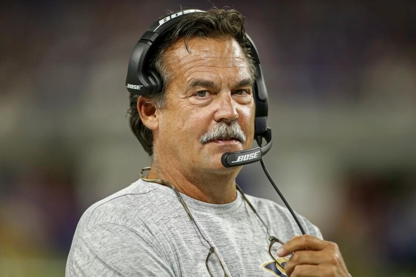 """El entrenador de los Rams, Jeff Fisher, dijo estar """"contento y emocionado"""" con la afición de L.A."""