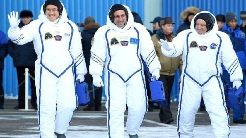 El astronauta japonés Norishige Kanai partió a la Estación Espacial Internacional (EEI) a mediados de diciembre y ahora que lleva tres semanas ahí, su cuerpo ya no es igual.