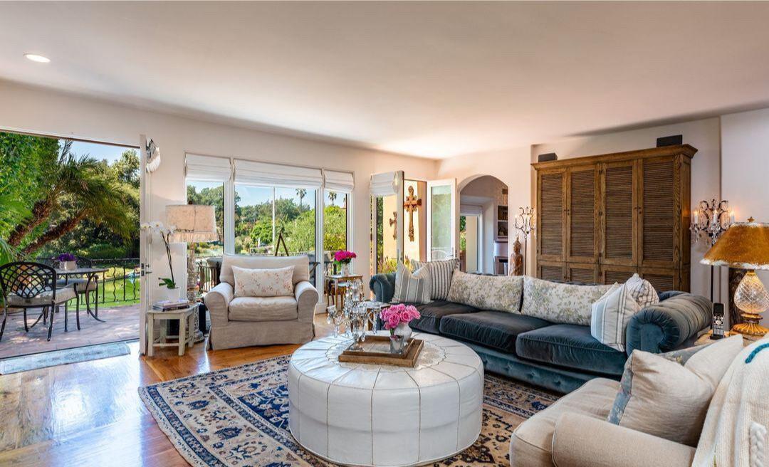 Jennifer Love Hewitt's former home