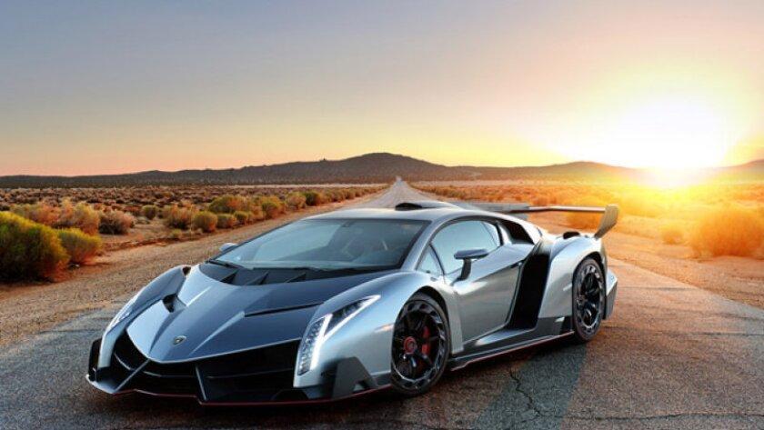 Construido como un regalo al 50 aniversario de la marca italiana, el Lamborghini Veneno es un hypercar y desquiciado.