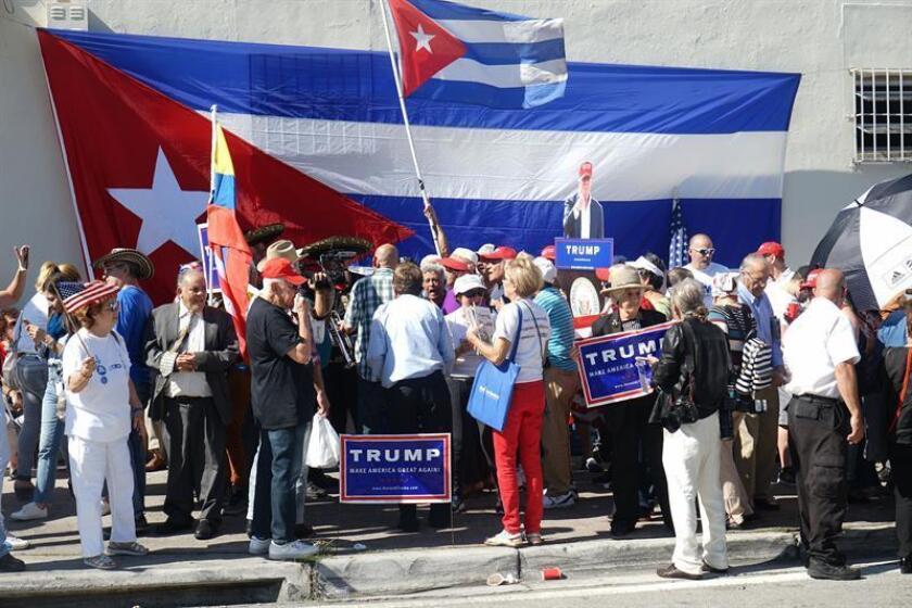 Encuesta muestra que cubanos de Miami quieren mano aun más dura contra Cuba