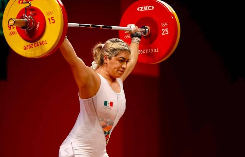 Aremi Fuentes, medalla de bronce en Tokio 2020 en levantamiento de pesas.