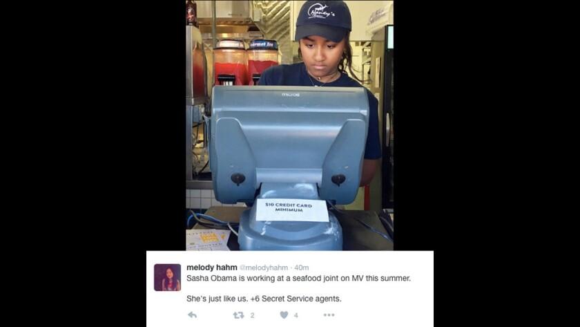 Sasha Obama, la hija menor de Barack Obama, comienza a trabajar en un restaurante de mariscos