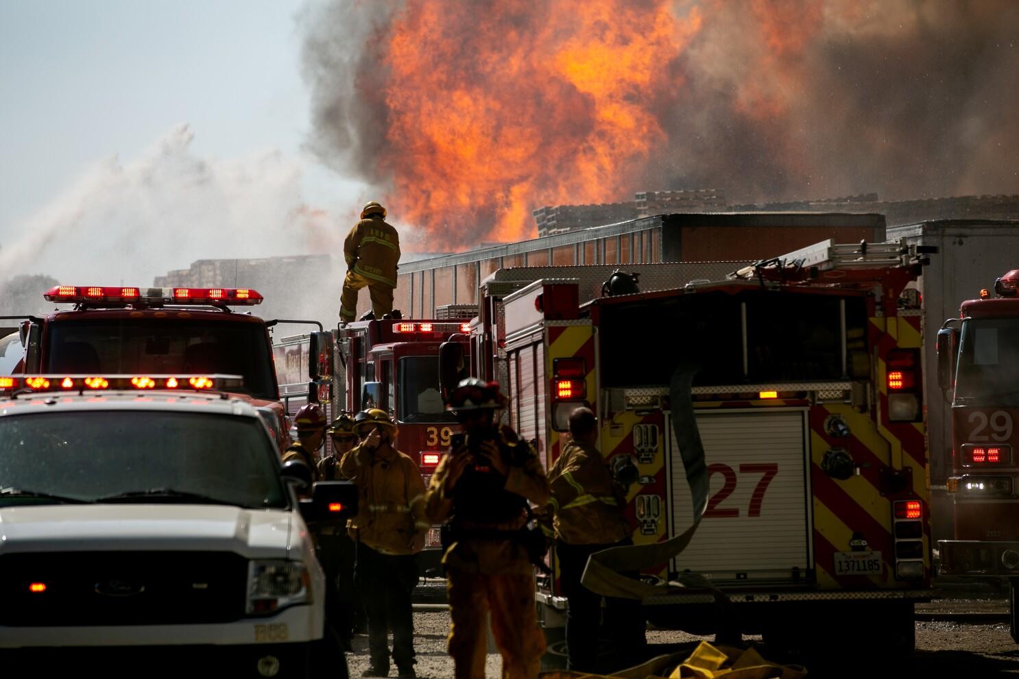 Otay Mesa brush fire burns 490 acres near border