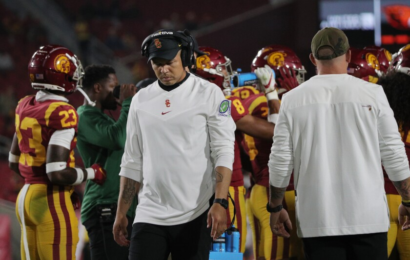 LOS ANGELES, CA - SEPTEMBER 25, 2021: USC Trojans head coach Donte Williams in the closing moments of the Trojans 45-27 loss to Oregon State at the Coliseum on September 25, 2021 in Los Angeles, California. (Gina Ferazzi / Los Angeles Times)