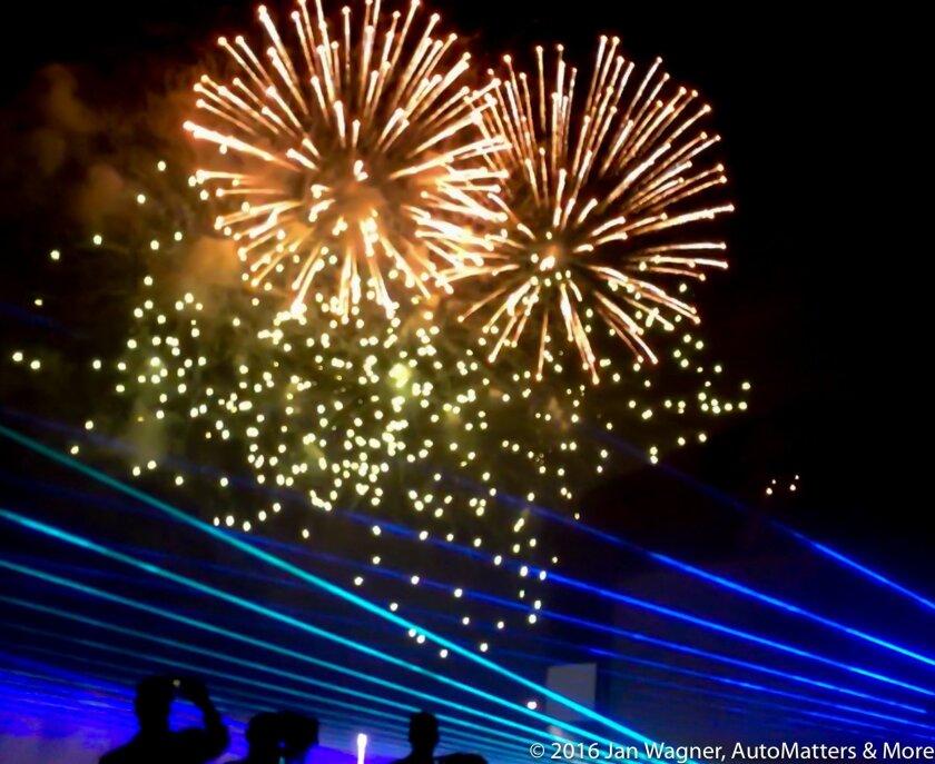 Dazzling fireworks & laser light show