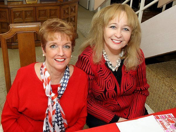 Kathy McHenry, Laura Akers