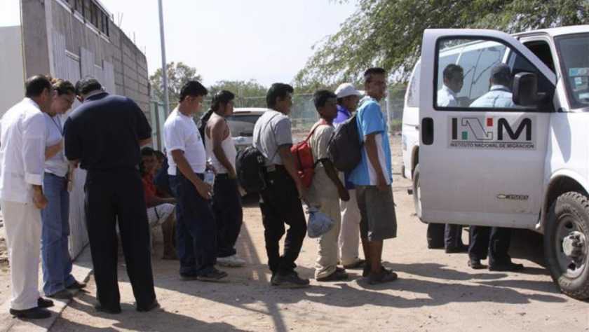 Migrantes centroamericanos detenidos en Chiapas, México.