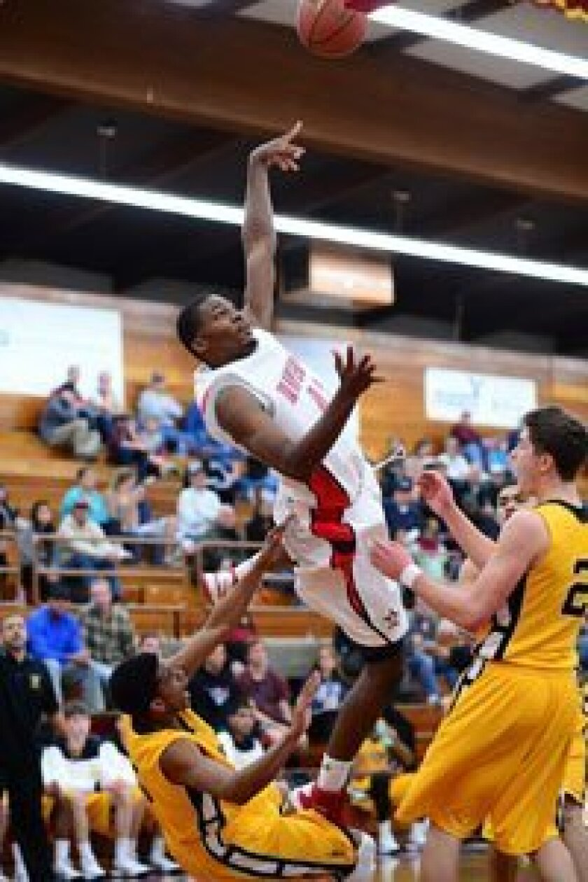 One of the big National Division games — Bishop O'Dowd vs St. John's from Texas. O'Dowd won 64-57. Photos/Anna Scipione
