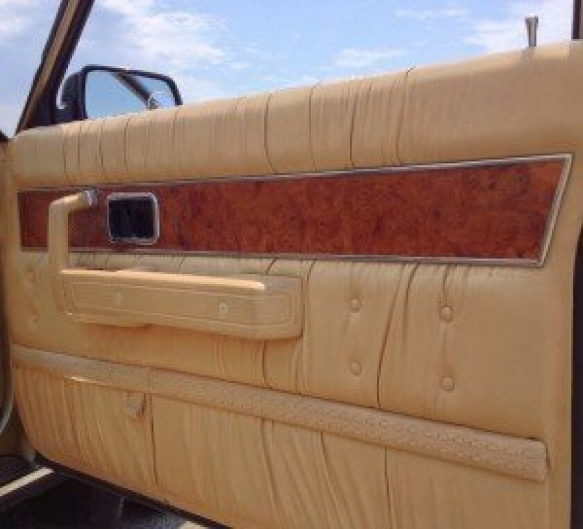 Real wood & high-styled leather trim