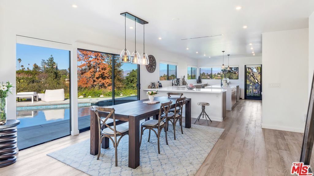 Hot Property | Katie Cassidy