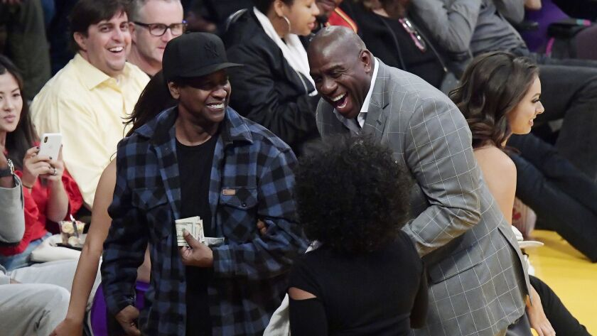 Denzel Washington delivers words of inspiration to Lakers