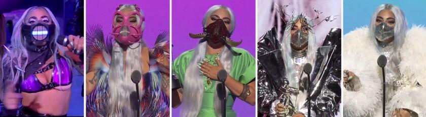 Lady Gaga usa distintas mascarillas durante la ceremonia de los Premios MTV a los Videos Musicales.