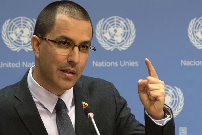 El canciller de Venezuela, Jorge Arreaza, habla durante una conferencia de prensa celebrada este martes en la sede de la ONU en Nueva York (EE.UU.). EFE