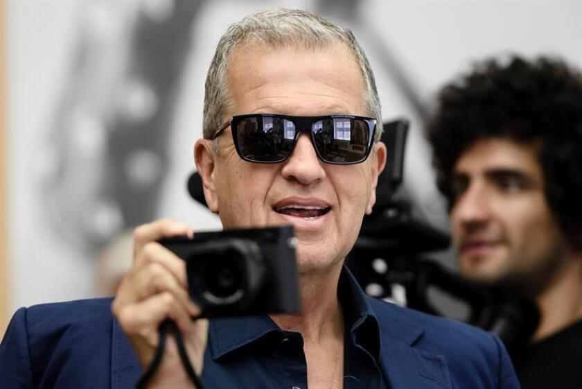 """El fotógrafo peruano Mario testino asiste a la presentación de la exposición """"Mario Testino. EFE/Archivo"""