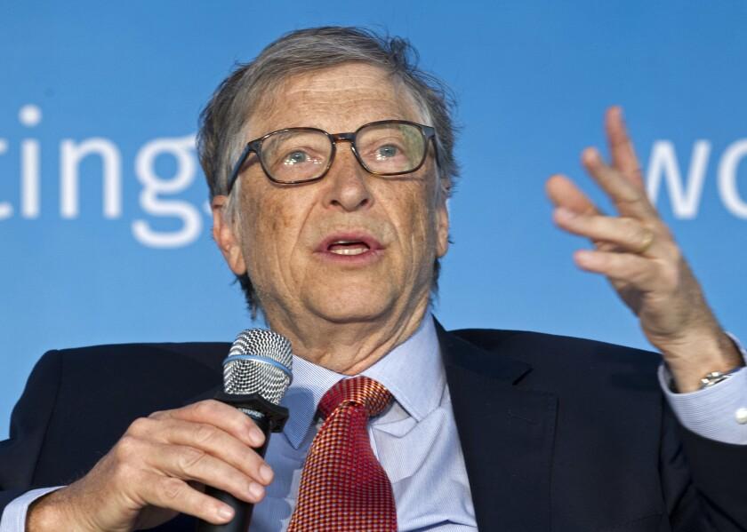 ARCHIVO - En esta fotografía de archivo del 21 de abril de 2018, Bill Gates habla en Washington. (AP Foto/Jose Luis Magana, Archivo)