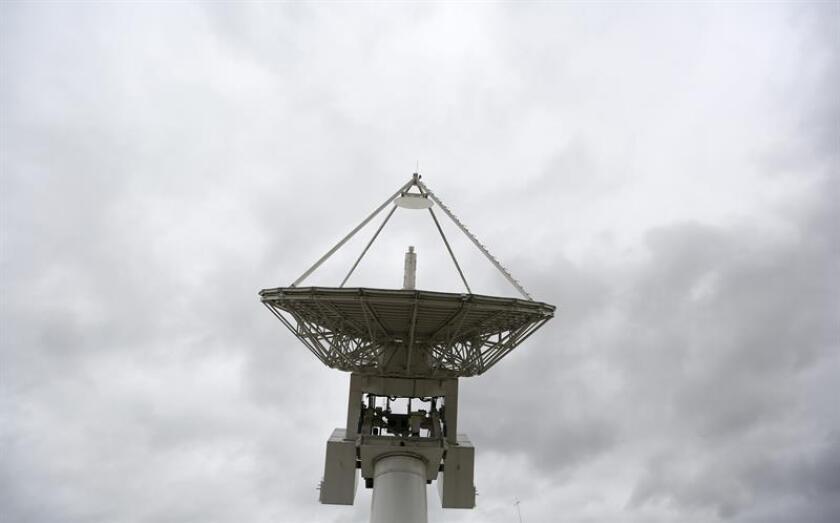 México aprobó hoy la convocatoria y bases de la licitación pública para concesionar 120 megahercios (MHz) del espectro radioeléctrico disponibles en la banda de frecuencias 2500-2600 Mhz, informó el Instituto Federal de Telecomunicaciones (IFT). EFE/ARCHIVO