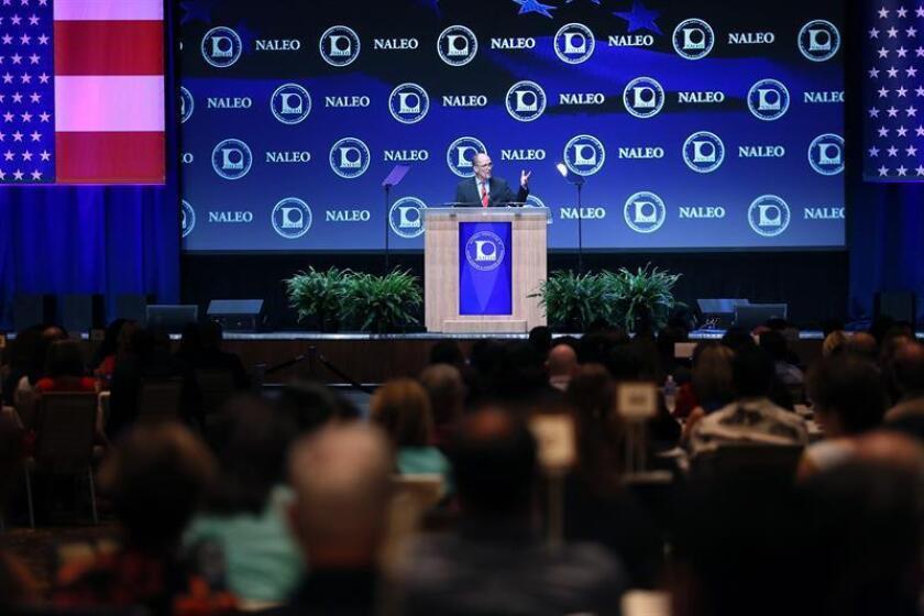 La Asociación Nacional de Funcionarios Latinos (NALEO) criticó hoy que el presidente electo Donald Trump haya roto con una tradición de casi tres décadas y no haya nominado a ningún hispano para su gabinete de Gobierno. EFE/ARCHIVO