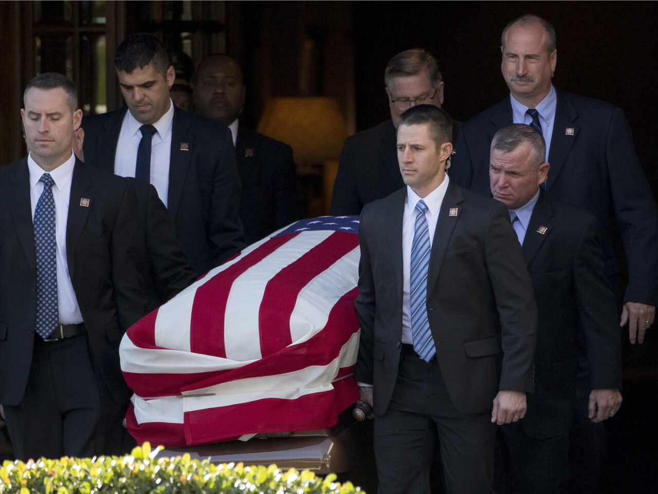 Four-day mourning period begins for George H. W. Bush