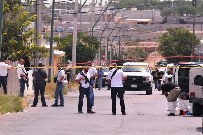 Once personas fueron asesinadas hoy mediante ahorcamiento en una vivienda de Ciudad Juárez, en el estado de Chihuahua, norte de México y frontera con Estados Unidos, informó hoy la Fiscalía General. EFE