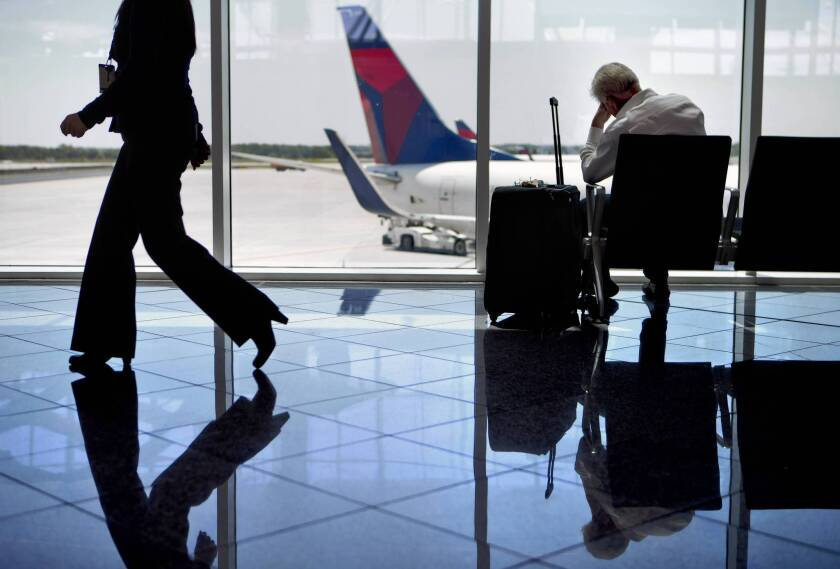 Air traffic controllers' furloughs end