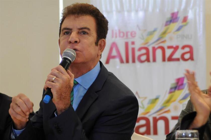 """El candidato de la Alianza de la Oposición de Honduras, Salvador Nasralla, entregó hoy ante la Organización de los Estados Americanos (OEA) pruebas de """"fraude"""" en las recientes elecciones celebradas en su país. EFE/ARCHIVO"""