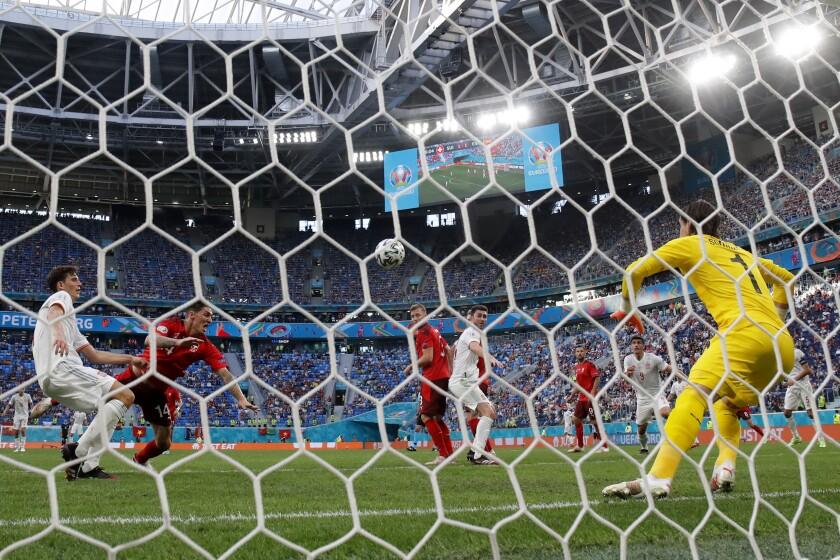 Switzerland's goalkeeper Yann Sommer