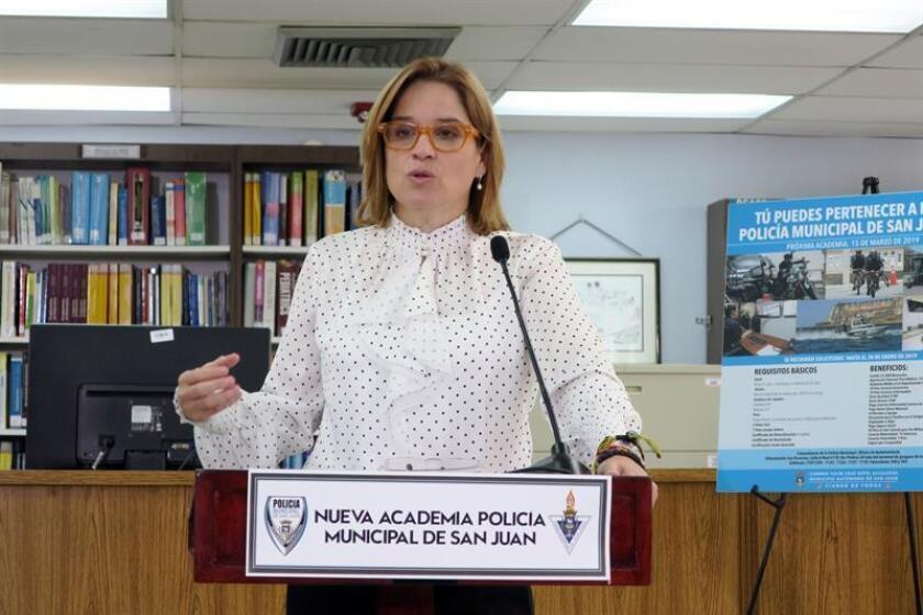 La alcaldesa de San Juan, Carmen Yulín Cruz, habla durante una conferencia de prensa. EFE/Archivo