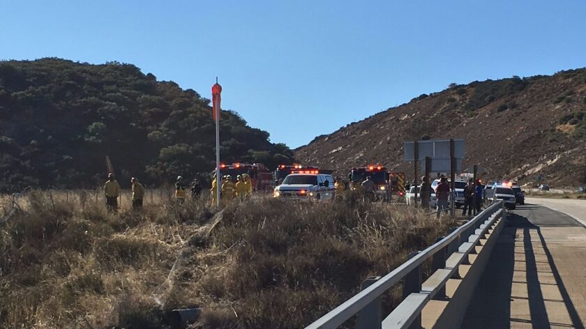 Driver dies after plunging off I-8 bridge near Pine Valley ...