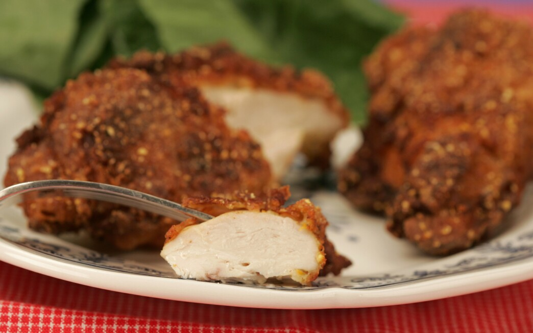 Cornmeal-dusted fried chicken