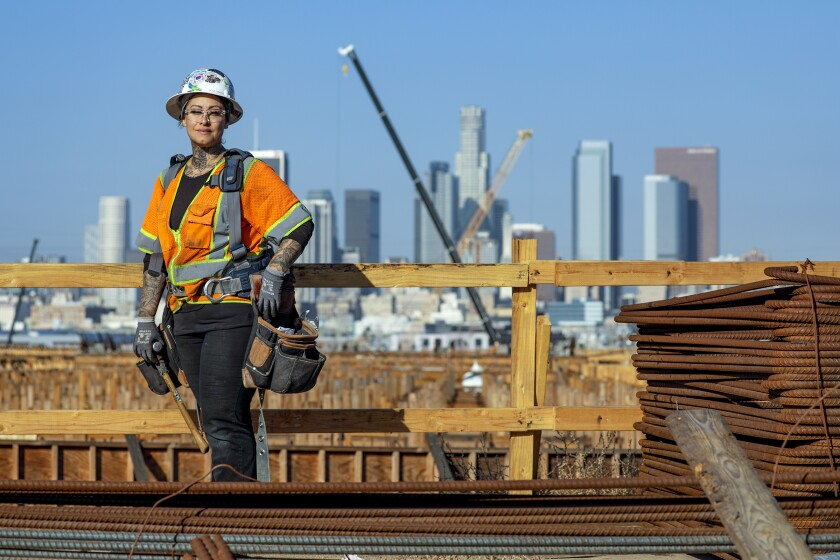 6th Street Bridge crew gets the job done with a lot of woman power