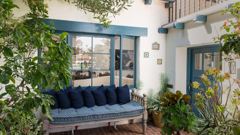 Hot Property   Amber Valletta