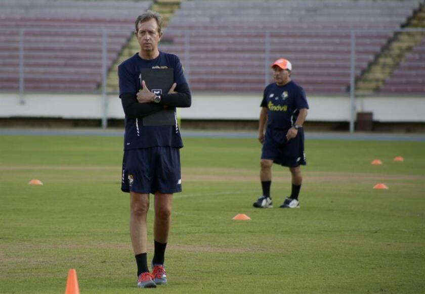 El seleccionador interino de fútbol de Panamá, Gary Stempel. EFE/Archivo