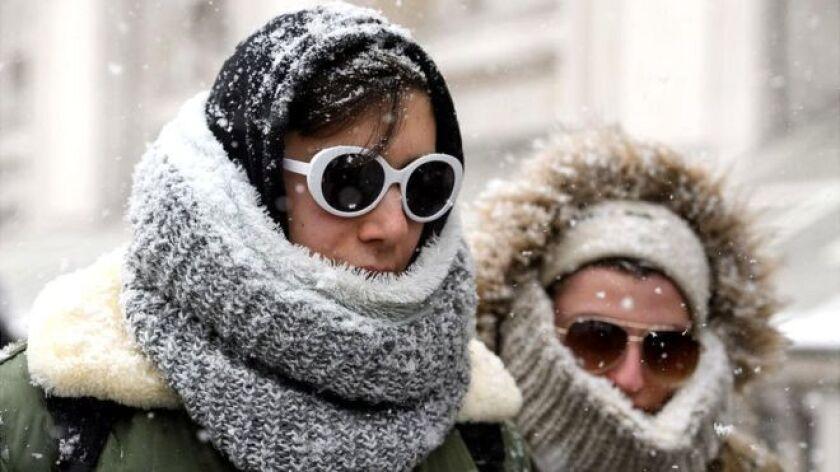 """Mientras Europa se cubre de un inmenso manto blanco por la llamada """"la bestia del este"""" y muchas de sus poblaciones están en temperaturas bajo cero, el Polo Norte está especialmente cálido."""