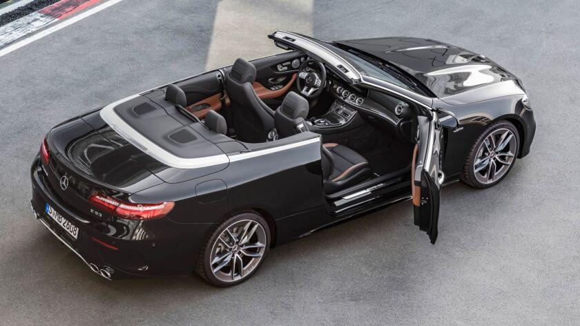 Mercedes-AMG E 53 4MATIC+ Cabriolet Exterieur: Obsidianschwarz metallic Interieur: Polsterung Leder