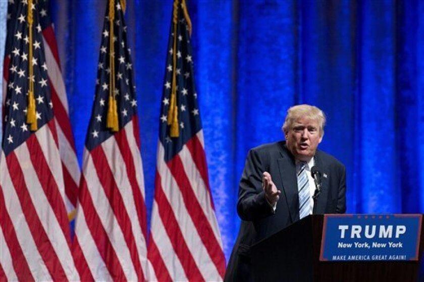 El virtual candidato del Partido Republicano a la Casa Blanca, Donald Trump, durante un acto de campaña para anunciar que el gobernador de Indiana, Mike Pence, se suma a su candidatura como vicepresidente, el 16 de julio de 2016, en Nueva York. (AP Foto/Mary Altaffer)
