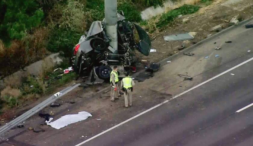 4 killed in crash that left BMW wrapped around pole on 710