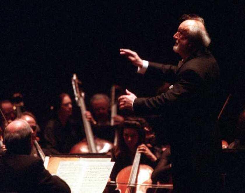 Kurt Masur conducts the New York Philharmonic in Costa Mesa in 1999.