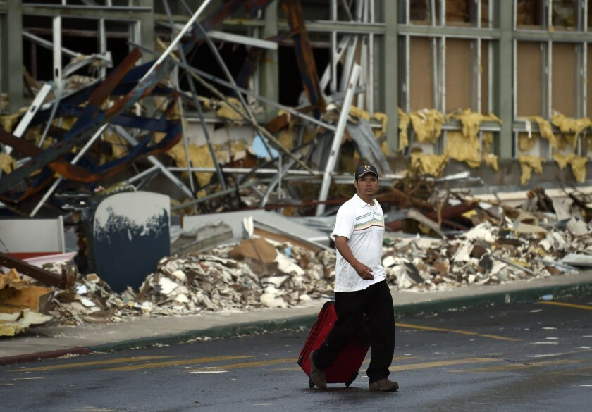 Hurricane Odile hits Los Cabos airport