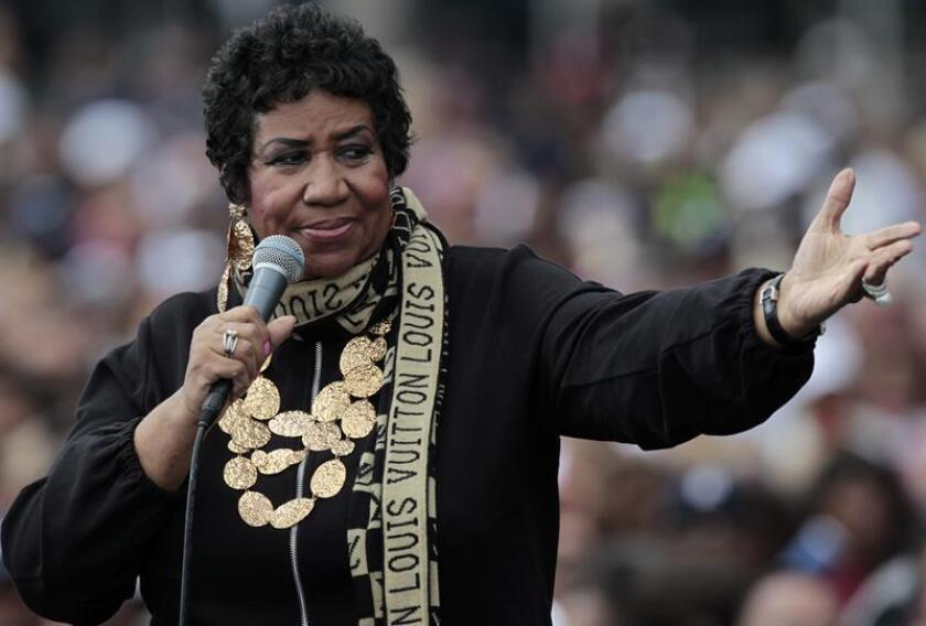 The Queen of Soul, Aretha Franklin sings at a Labor Day event which featured US President Barack Obama outside of the Renaissance center in Detroit, Michigan. EFE/EPA/FILE